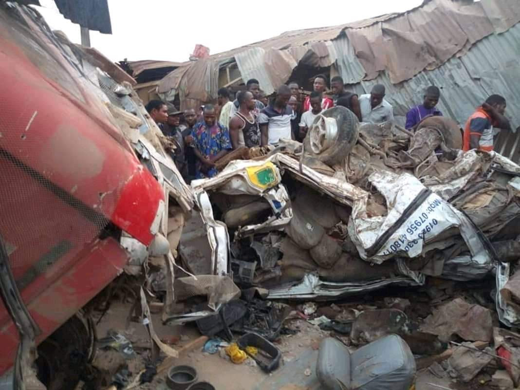 Truck carrying APC-branded bags of rice crushes dozens to death in Ekiti, Truck carrying APC-branded bags of rice crushes dozens to death in Ekiti (Photos)