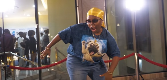 """""""Maybe I'm Dreaming"""" -Teni Gets Emotional As She Wins Best New Act At Soundcity MVP Awards"""