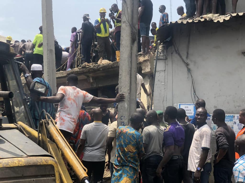 So sad!!! Pupils feared dead as school building collapses in Lagos (photos/video) 1