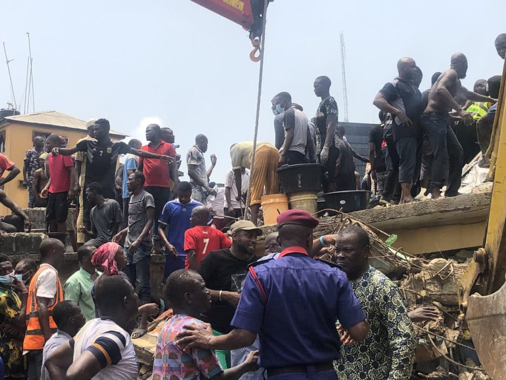 So sad!!! Pupils feared dead as school building collapses in Lagos (photos/video) 3