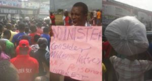 Igbo traders protest after being locked out of Trade Fair Complex by state government (Video)