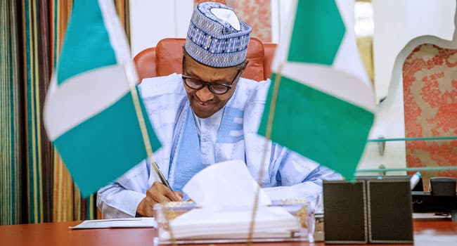 Buhari signs N30,000 minimum wage bill