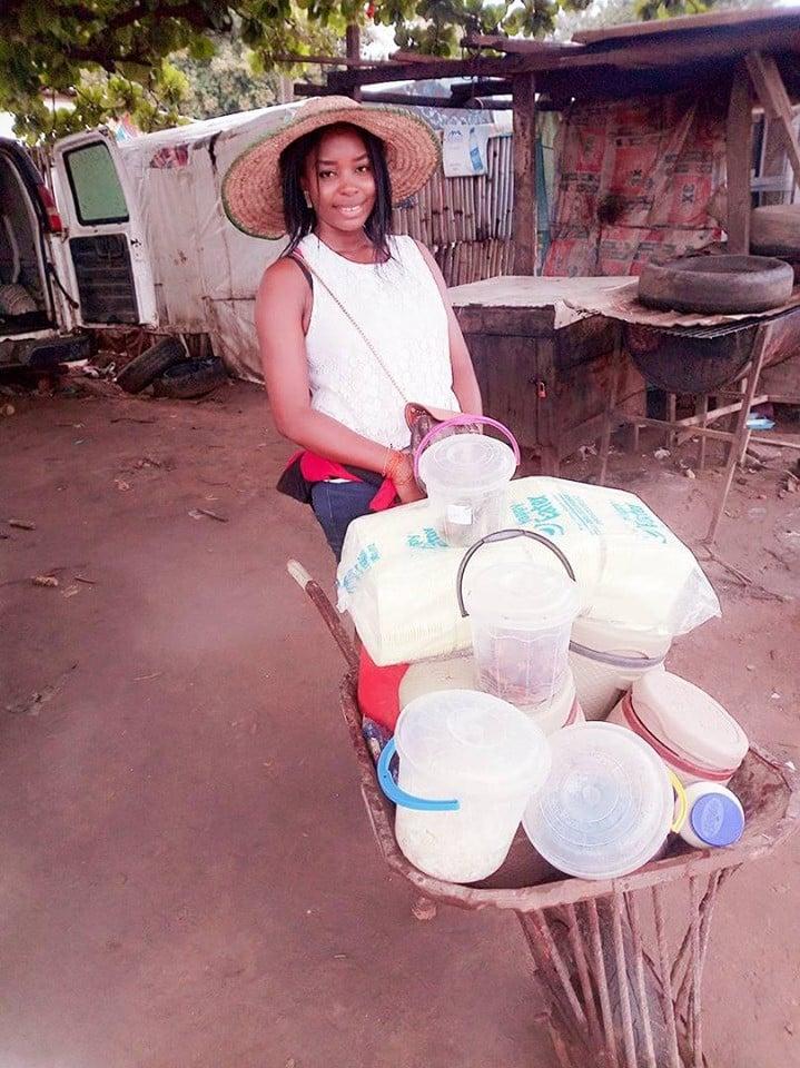 I make more than salary earners - Graduate who sells food using a wheelbarrow