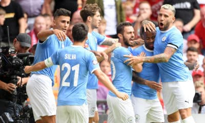 Manchester City edge out Liverpool
