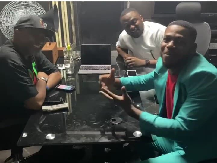 Frodd meets with Ubi Franklin, Paul O, as he signs new deal (Photos)
