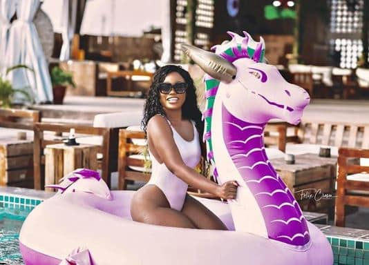 Cee-C flaunts her curves in new swimsuit photos