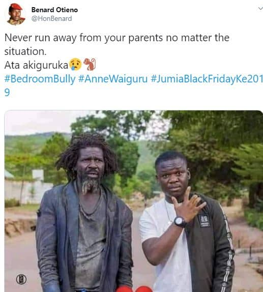 Man melts hearts after posing with mentally challenged father -1