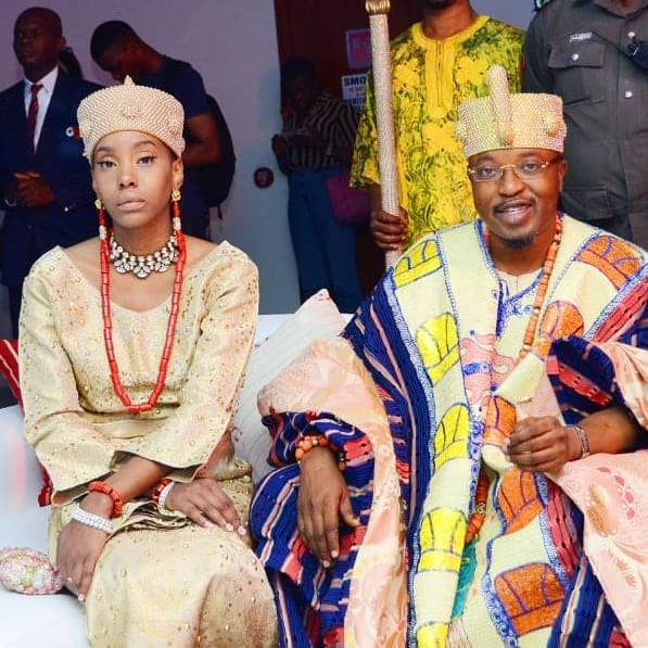 King of Iwo and his estranged wife throw jabs at each other on IG