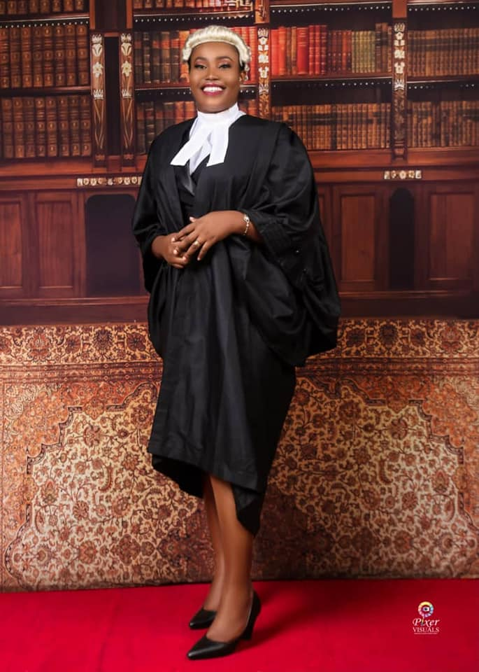 Beautiful Nigerian Lady Bags First Class Degree In Law (Photos)