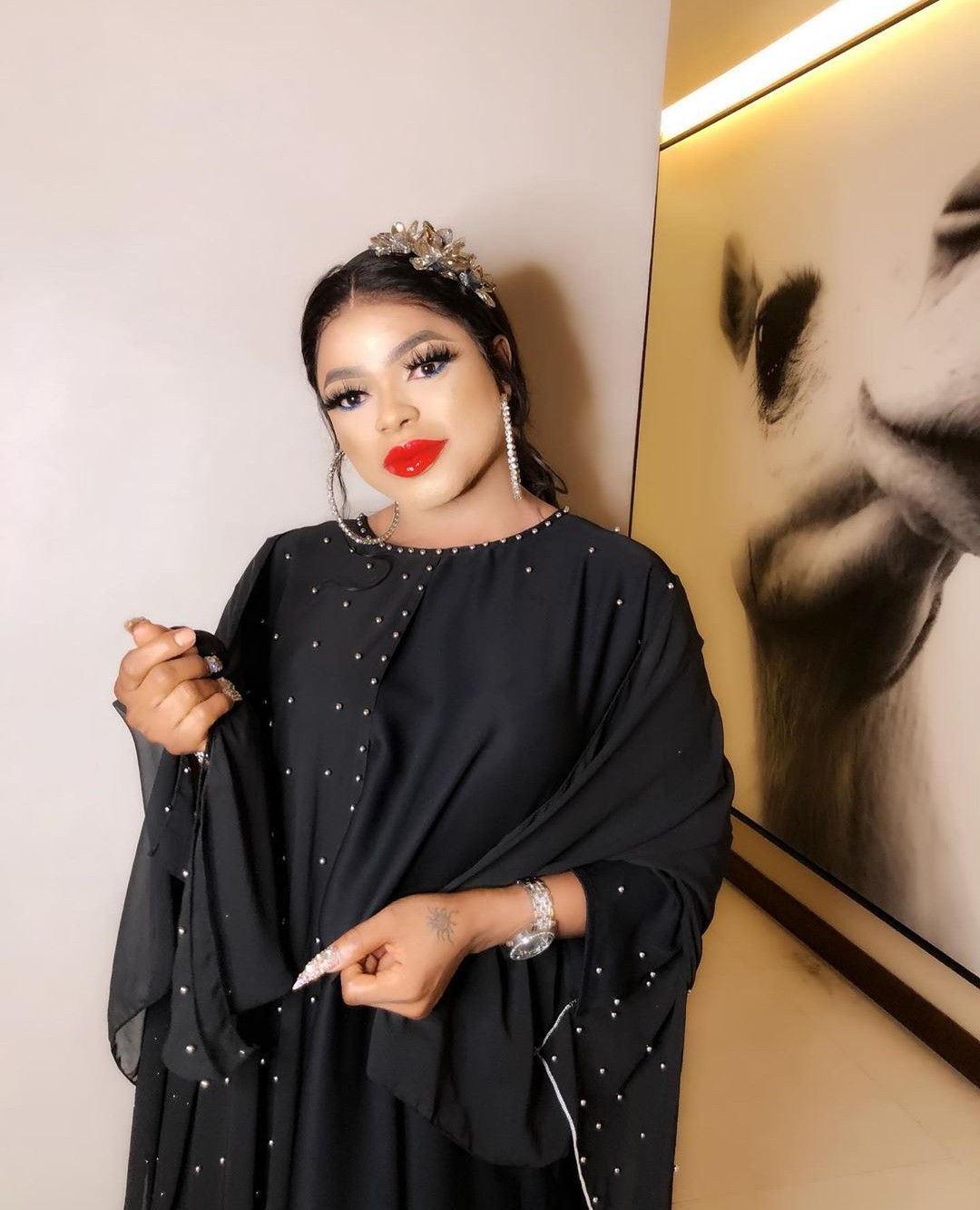 Bobrisky advises that women should dress properly