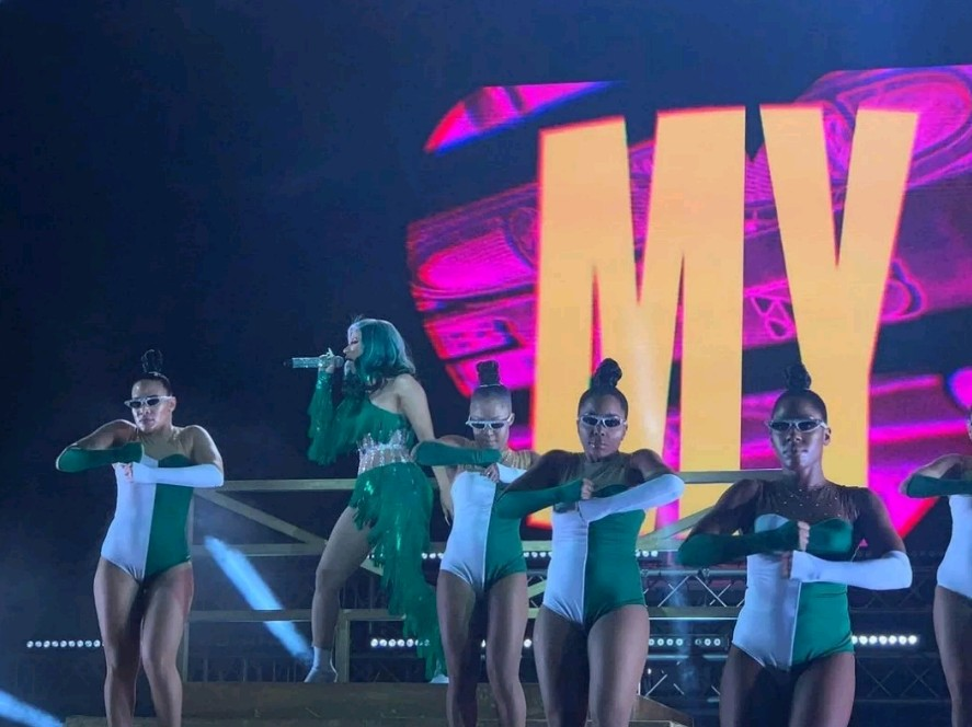 Cardi B rocks Nigeria's Green and White during her performance (Video)