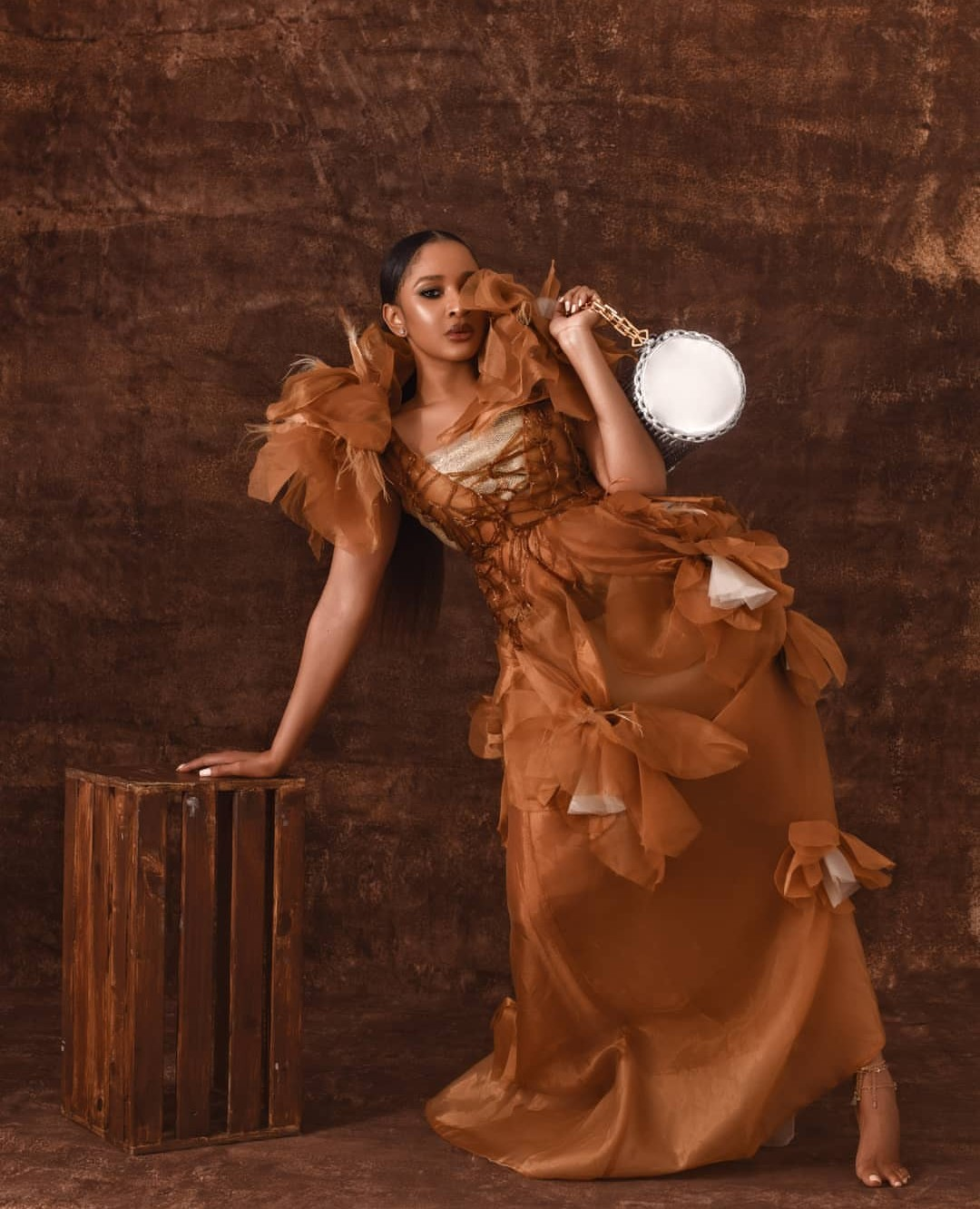 """""""Human beings are dangerous, they will hype you to doom""""- Adesua Etomi"""