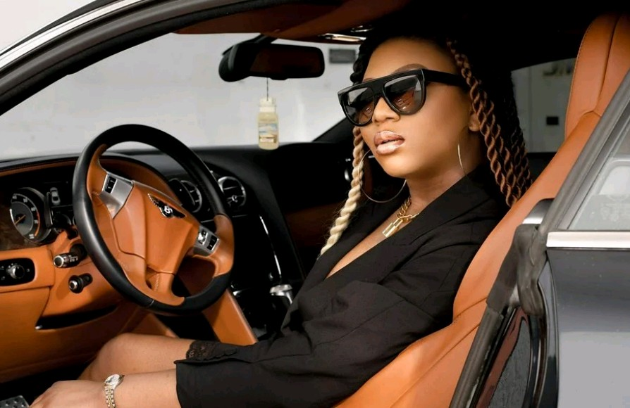 Stephanie Coker gets Bentley Continental GT Coupe as Valentine gift (Photos)_2