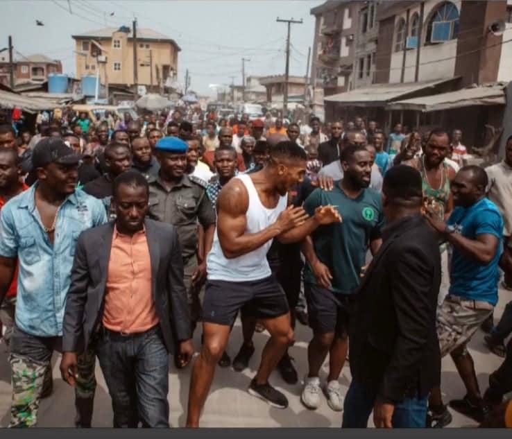 Anthony Joshua takes his belts to the streets of Makoko Lagos (Photos)