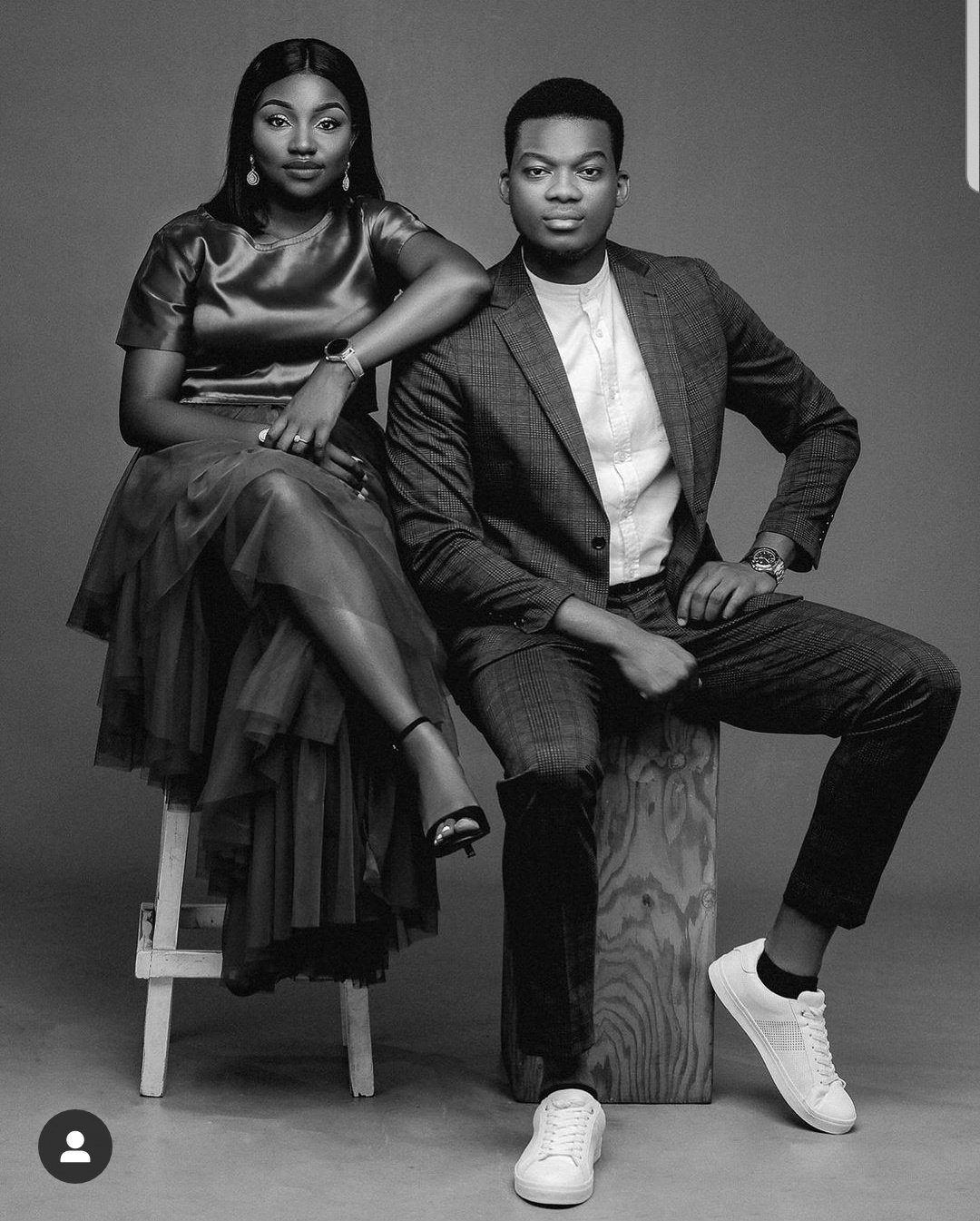 Classmates who started dating from SS1 gets engaged (Photo)