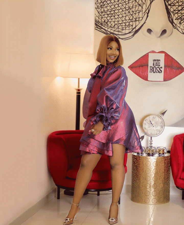 Tacha says the Sun is her only competitor for hotness, serves adorable photos
