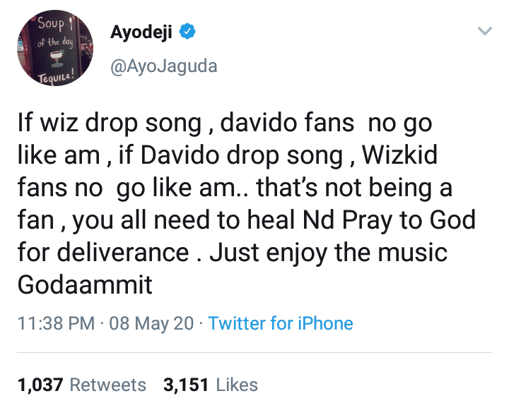 Blogger advises fans of Wizkid and Davido