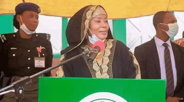 Bauchi State First Lady empowers young women