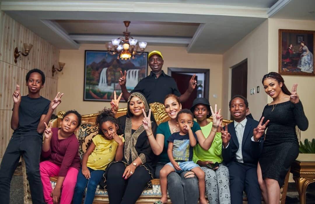 « Je suis encore très jeune » : âgé de 60 ans, Ned Nwoko affirme qu'il veut avoir plus d'enfants (photos)