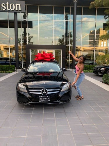 Parents gift lady Benz