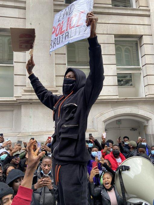 Watch Wizkid's Grand Arrival To #EndSars Protest In London, Watch Wizkid's Grand Arrival To #EndSars Protest In London, Premium News24