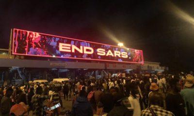 #endsars protesters at lekki tollgate