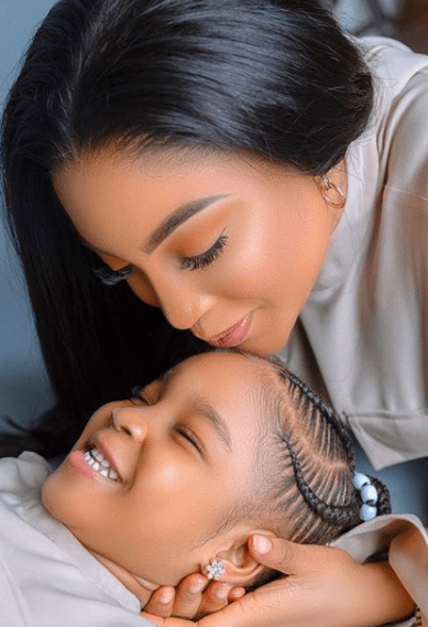 dabota lawson and her daughter on her birthday