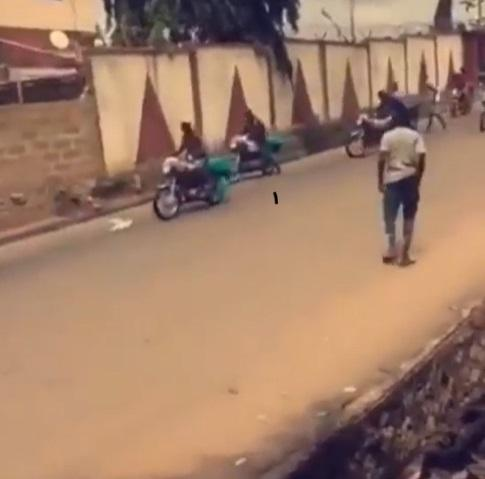 hoodlums stealing brand new bikes from senator teslim folarin's house in ibadan