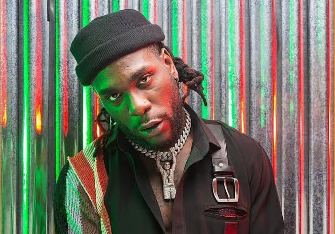 Burna Boy apologizes over tweets