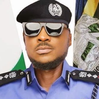 Peruzzi chases away armed robbers