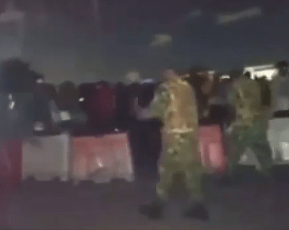 soldiers shooting at protesters in lekki at toll gate