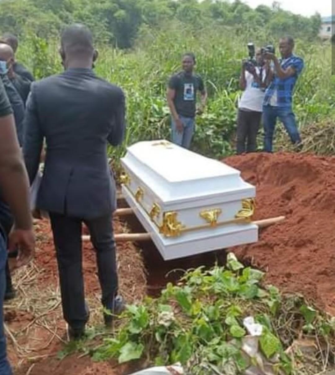 Tears as late UNIBEN student, Vera Uwaila Omozuwa is laid to rest