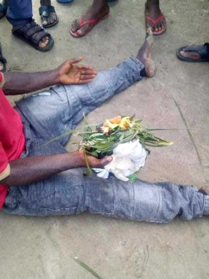 Man caught making incantations with fetish items at a cemetery in Rivers state