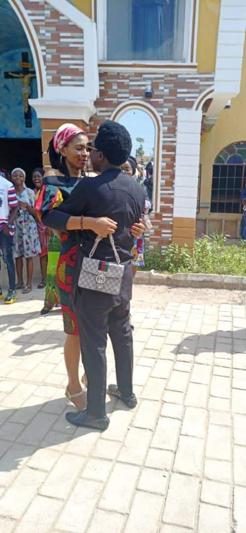 Man proposes to his girlfriend in Church