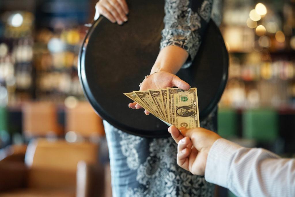 Tip waiter