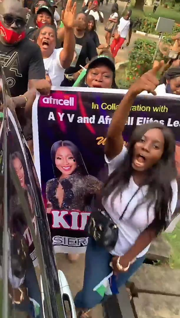 Fans sing for Erica and Kiddwaya