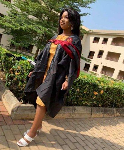 Tope Alabi daughter graduates