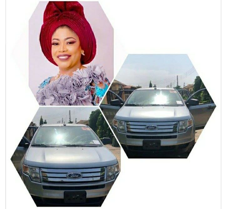 Actress, Bimbo Akinsanya gifts herself a brand new car