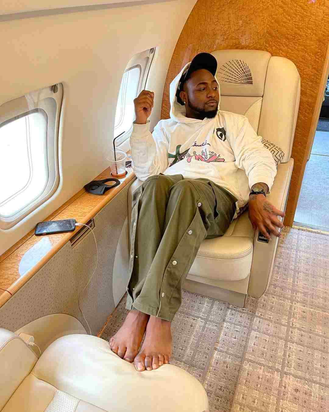davido on private jet