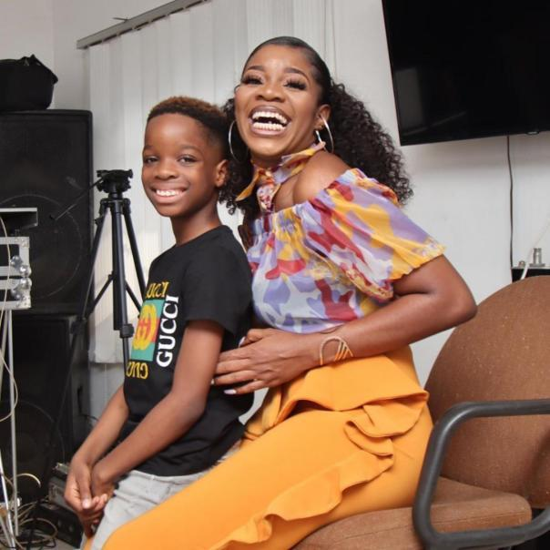 Wizkid gifts his first son, Boluwatife a brand new PS5 for Christmas