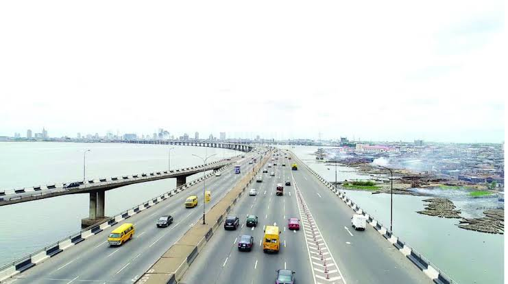 Lady rejects N190k job in Lagos 'cos she's scared of Third Mainland Bridge