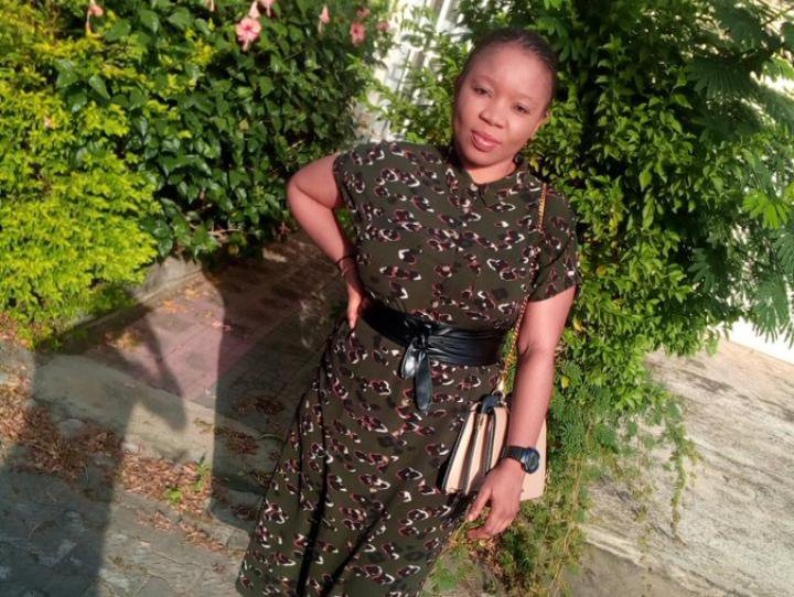 Lady calls out Tochi over picture