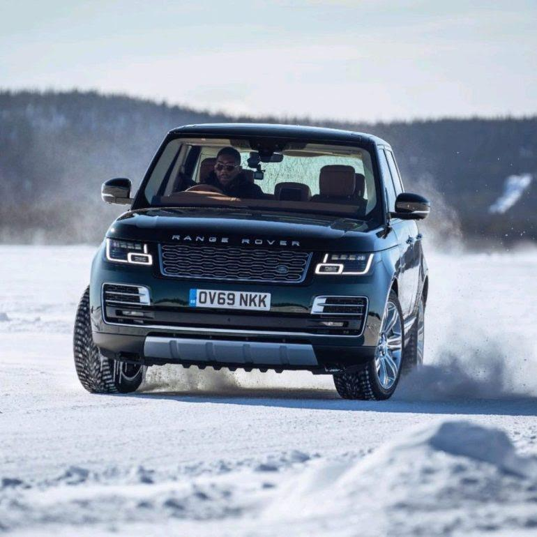 Anthony Joshua shows off driving skills with 2021 Range Rover SUV