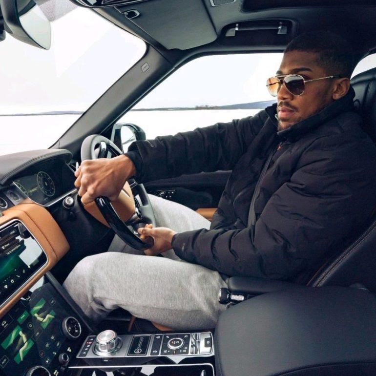 Anthony joshua 2021 Land rover Range Rover SUV