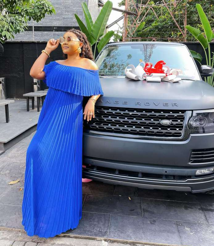 mercy aigbe range rover