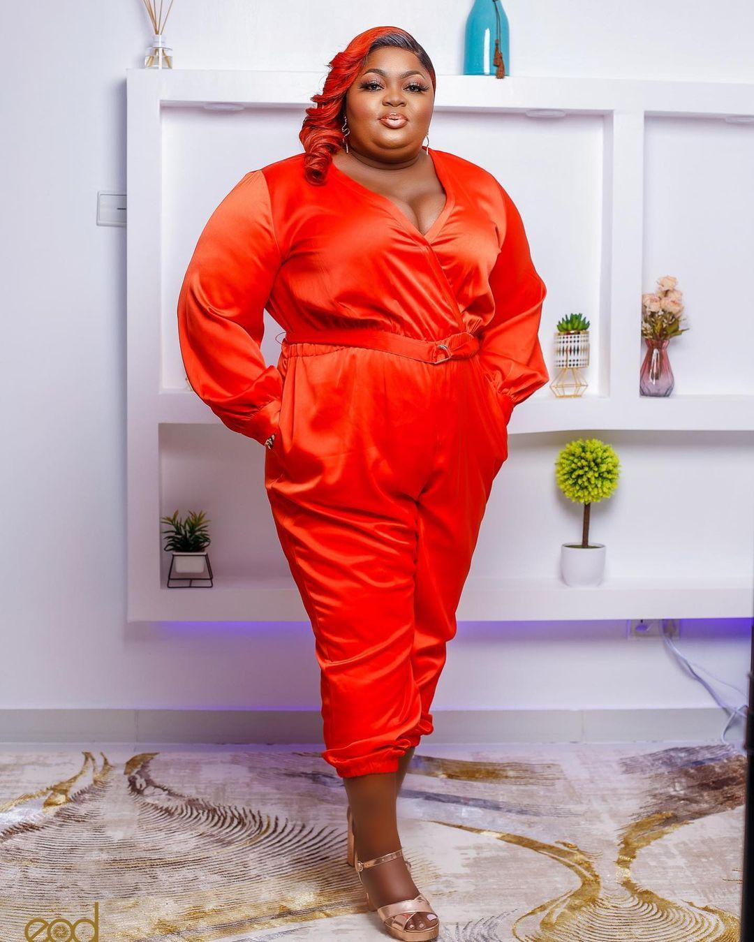 """Looking like LAWMA staff"" - Eniola Badmus dragged over outfit to Headies"