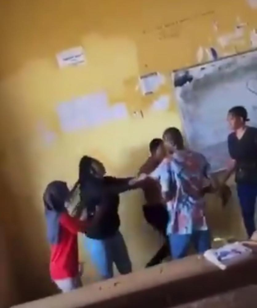 Student fights lecturer