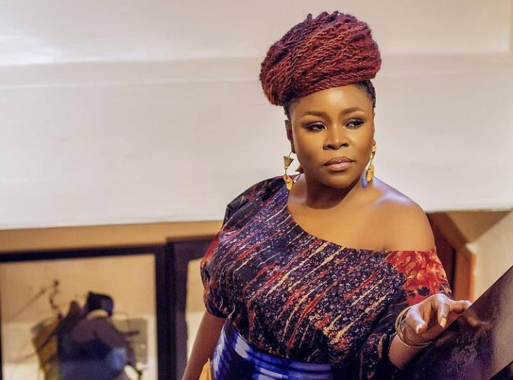 Popular Nigerian singer, Omawumi has taken to her Instagram account to debunk ongoing rumour that she underwent a butt surgery.