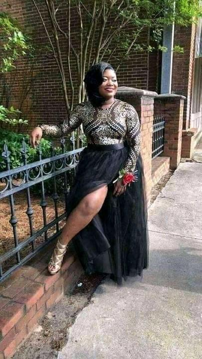 """Lady goes viral as she takes 'pre-burial"""" photos"""