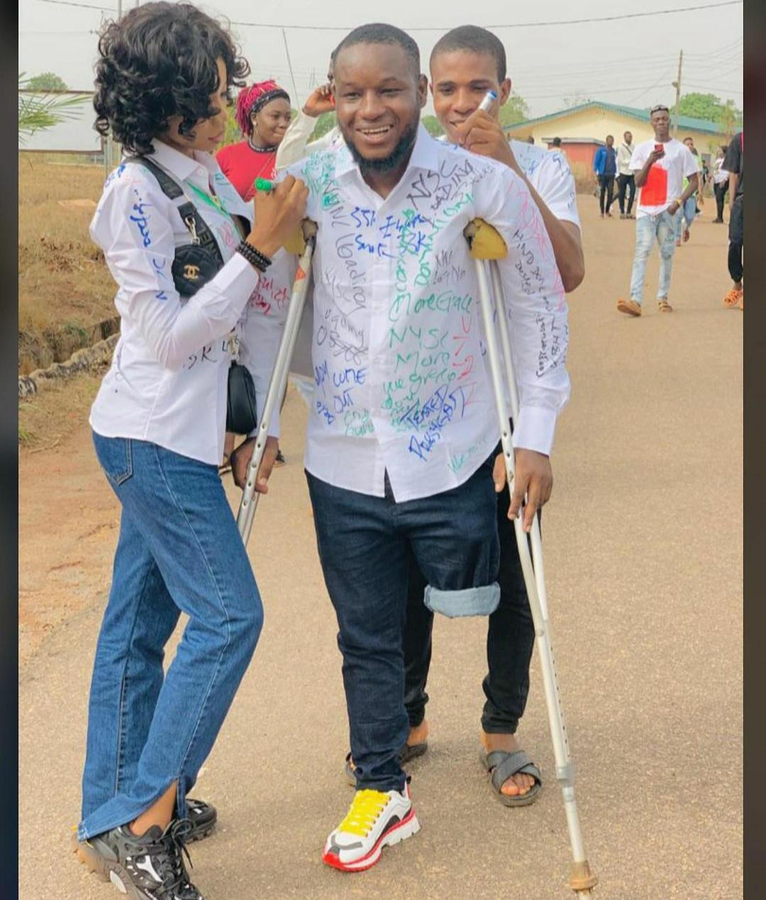 #Endsars leg bullet graduates